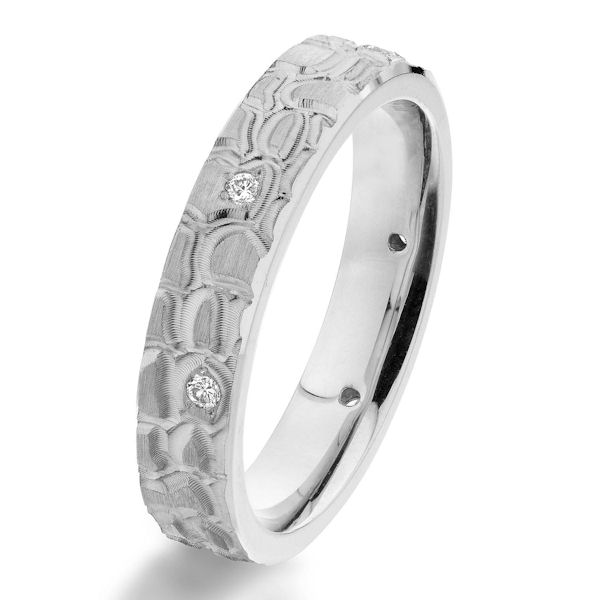 14Kt White Gold Patterned Diamond Wedding Ring