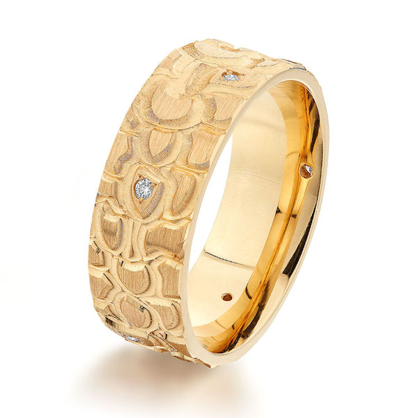 Yellow Gold Patterned Diamond Wedding Ring