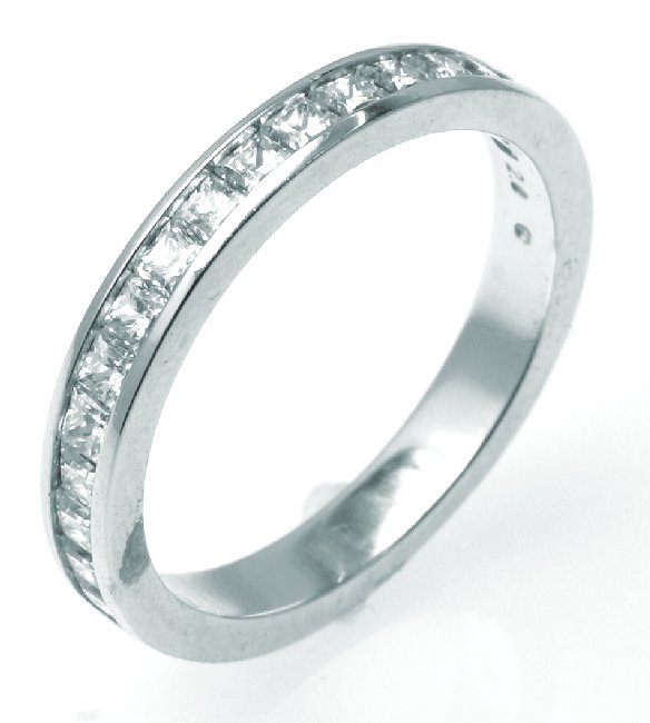 Item # G1010WE - 18K white gold, 4.5 mm wide, comfort fit, diamond wedding band. Diamond total weight is 1.0 ct and are graded as VS in clarity G-H in color. The finish on the ring is polished. Other finishes may be selected or specified.