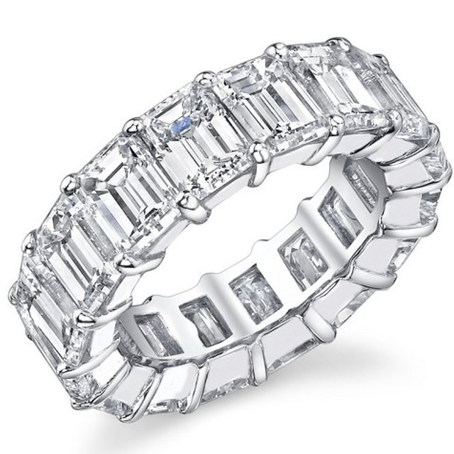Item # MS20187PP - Diamond eternity band in platinum. The ring holds 21 diamonds in size 6.0.  Diamonds total weight is approximately 7.0ct. Diamonds are graded as VS1 in Clarity G-H in color.