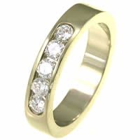 Item # ST10881E - 18K Diamond Wedding Band